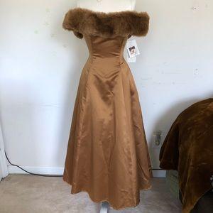 Scott Mc Clintock dress